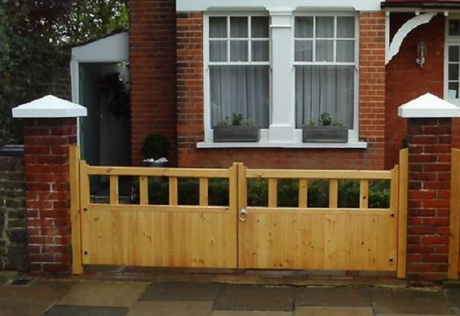 Wooden Driveway Gates & Timber Estate Gates for Sale ...