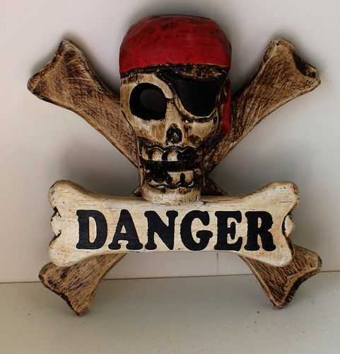 Small Pirate Plaque - Danger