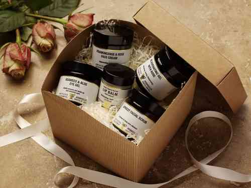 Face the Day Gift Box by Amphora Aromatics