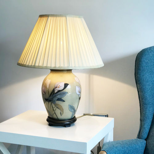 Jenny Worrall Arum Lily Oval Table Lamp