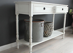 side_view_of_hallway_large_narrow_console_table